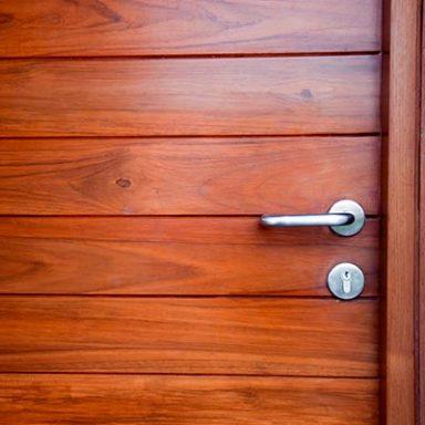 puertas de madera reformas en madrid